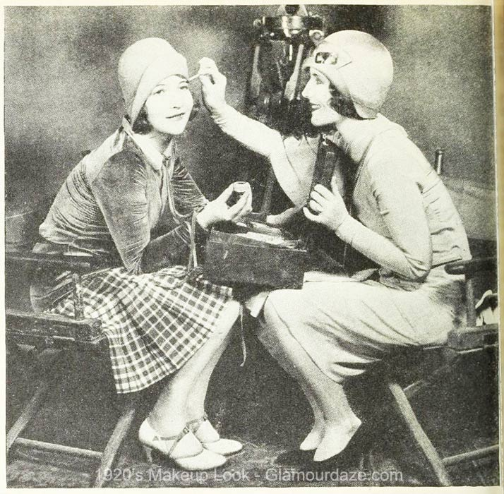 1920s-Makeup-Hollywood-Beauty-Tricks-Eva-Von-Berne-with-Norma-Shearer